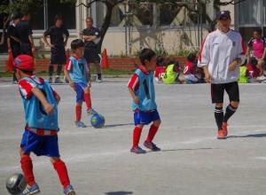 みんなずいぶんサッカー選手ぽくなってきました。